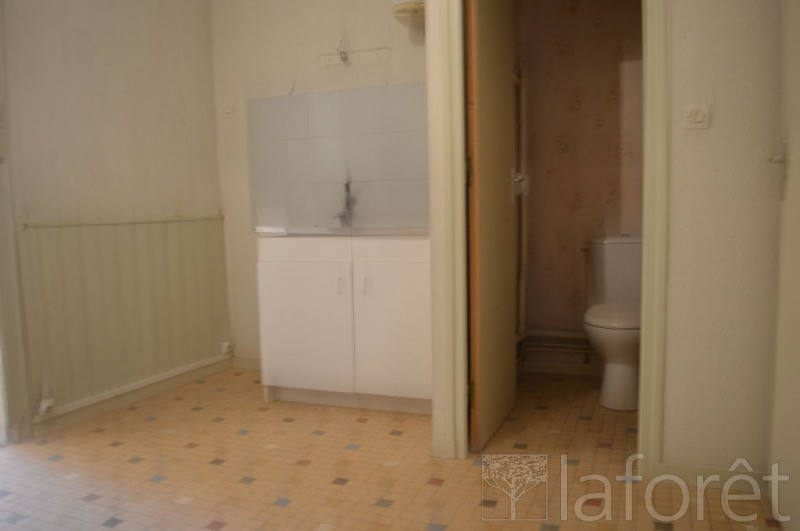 Location local commercial Beuzeville 422€ CC - Photo 3