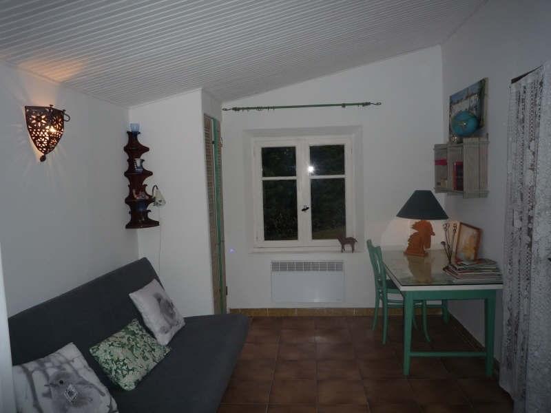 Location maison / villa Aix en provence 505€ CC - Photo 2