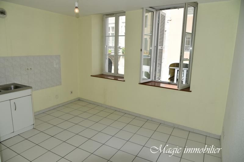 Rental apartment Nantua 267€ CC - Picture 1