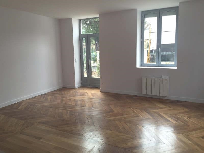 Rental apartment Oullins 858€ CC - Picture 2