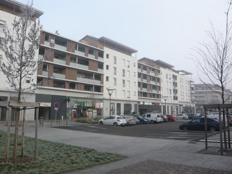 Location Boutique Décines-Charpieu 0