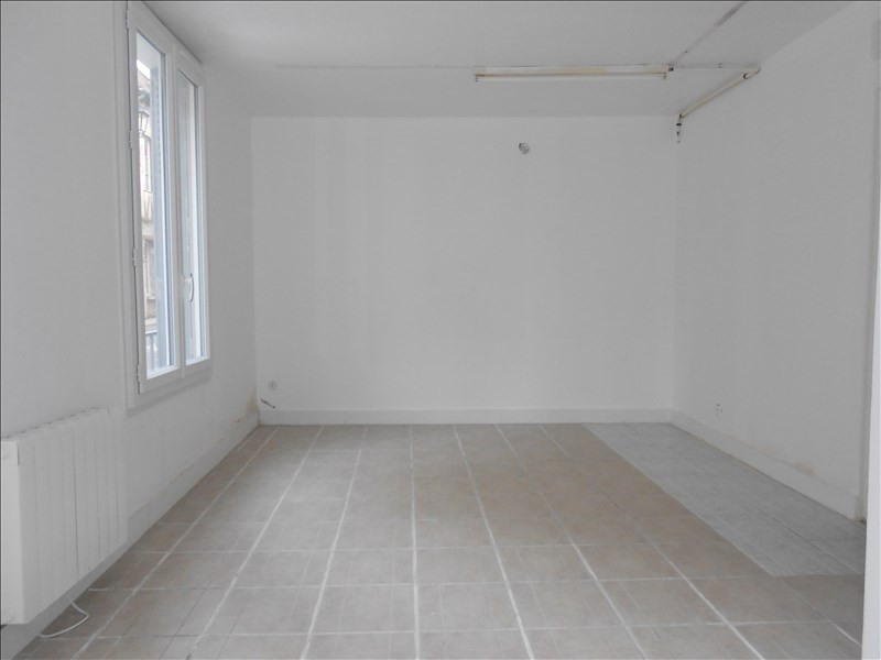 Location local commercial Provins 590€ HT/HC - Photo 3