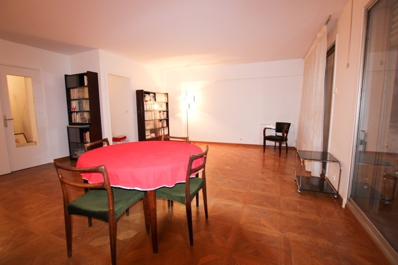 Rental apartment Paris 15ème 1 890€ CC - Picture 2