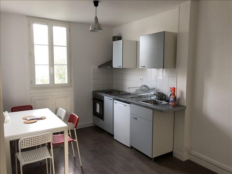 Rental apartment Verrieres le buisson 790€ CC - Picture 2