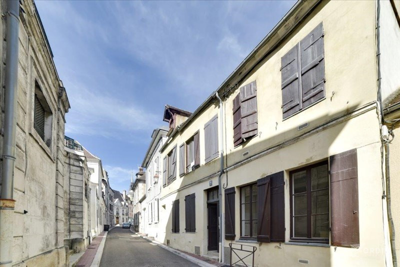 Investment property building Auxerre 370000€ - Picture 1