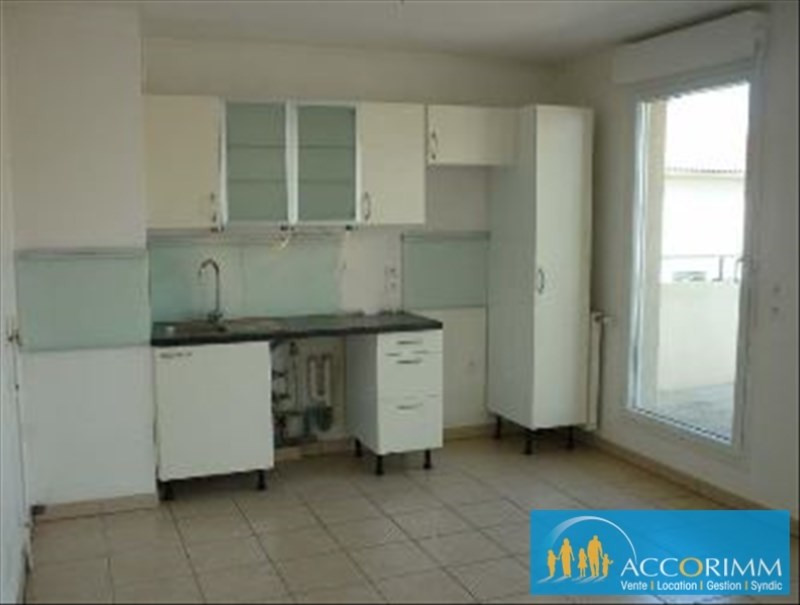 Location appartement Mions 601€ CC - Photo 2