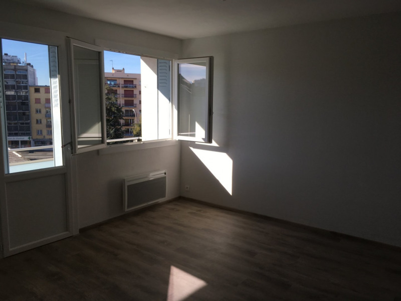 Sale apartment Tarbes 63 130€ - Picture 3