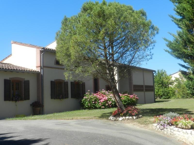 Deluxe sale house / villa L isle jourdain 627000€ - Picture 3