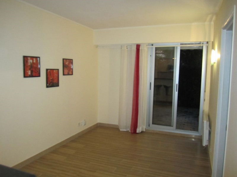 Rental apartment Nice 755€ CC - Picture 2