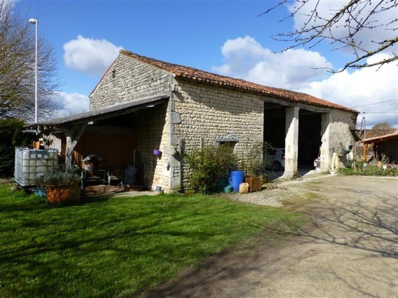 Sale house / villa Saint-jean-d'angély 218200€ - Picture 7