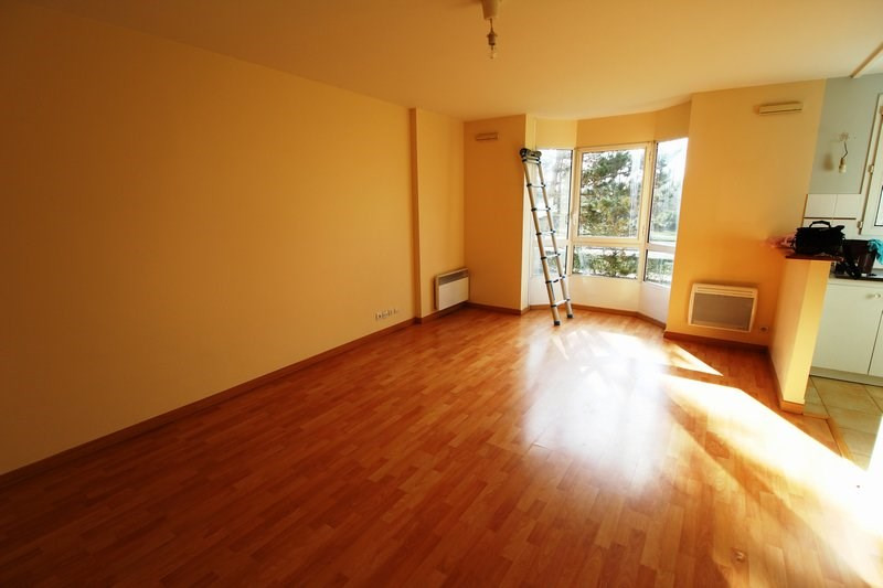 Rental apartment Elancourt 732€ CC - Picture 1
