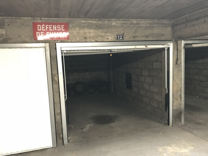 Rental parking spaces Courbevoie 120€ CC - Picture 3