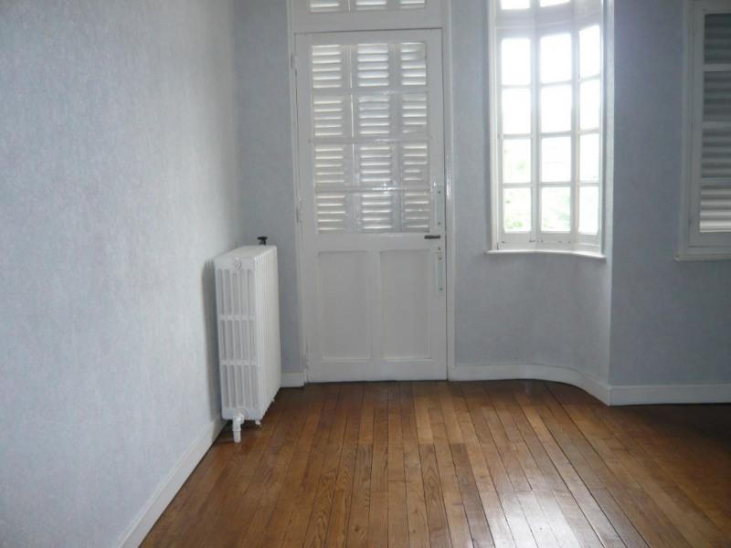 Rental apartment Meslay du maine 358€ CC - Picture 1