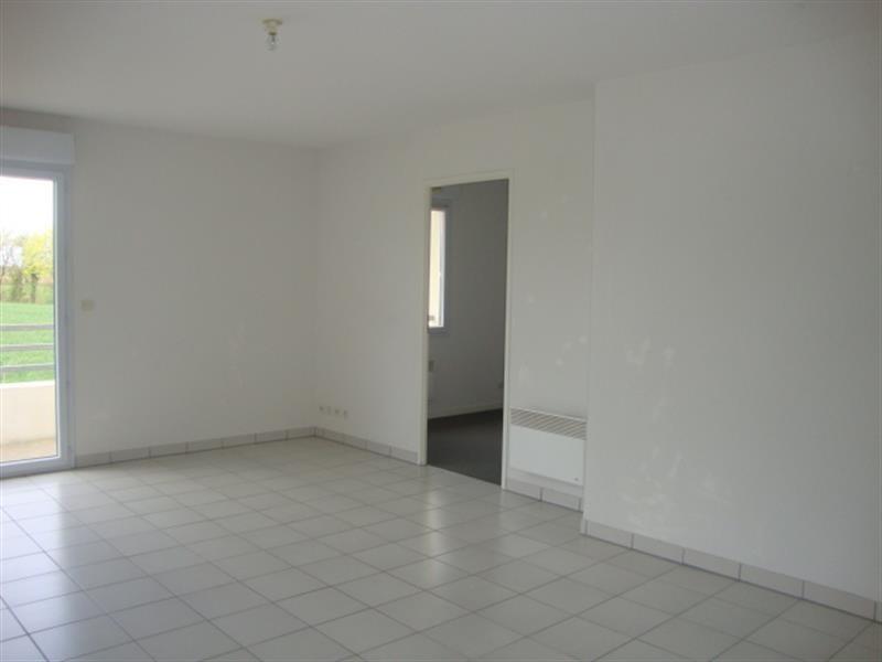 Vente appartement Saint-jean-d'angély 74900€ - Photo 3