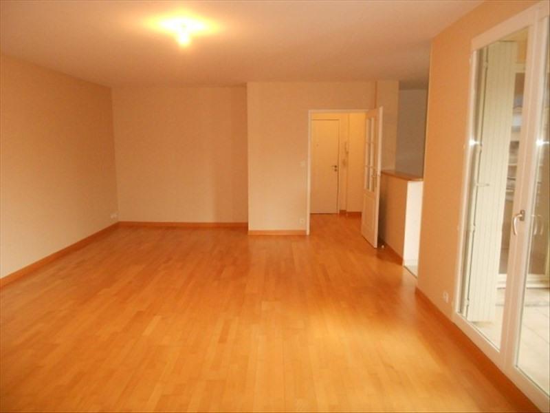 Rental apartment Vendome 620€ CC - Picture 2