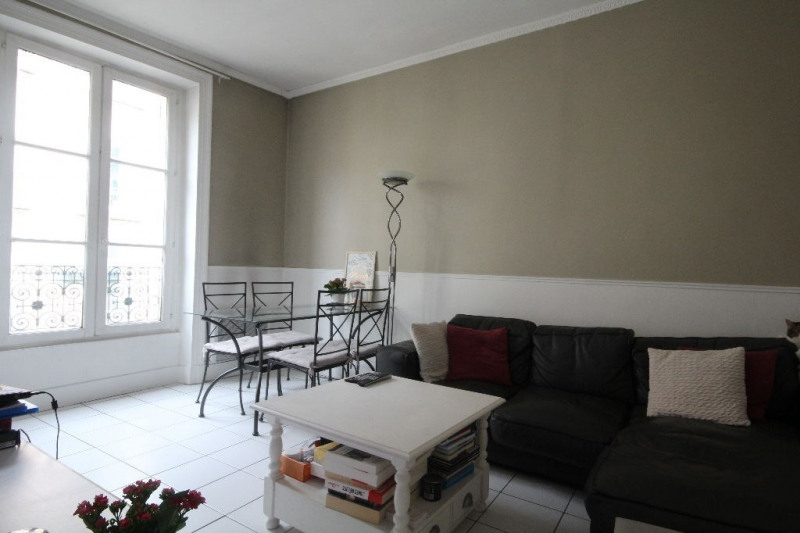 Sale apartment Saint germain en laye 360 000€ - Picture 1