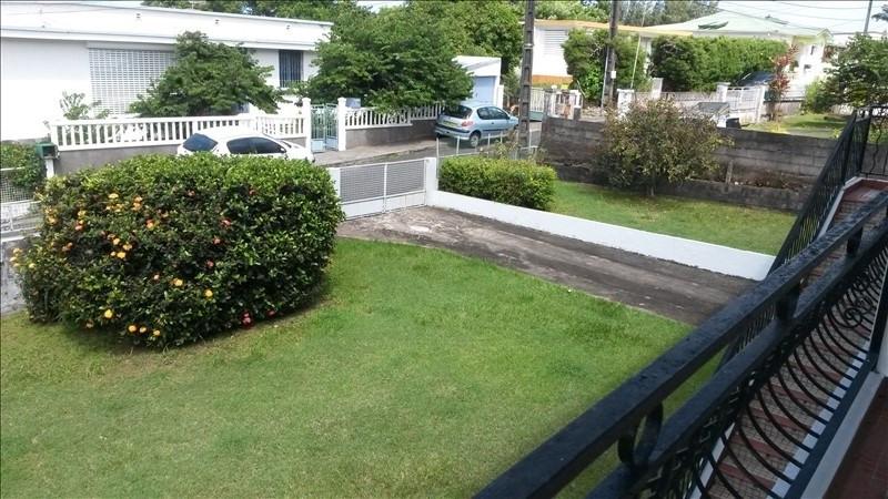 Sale house / villa St claude 280000€ - Picture 2