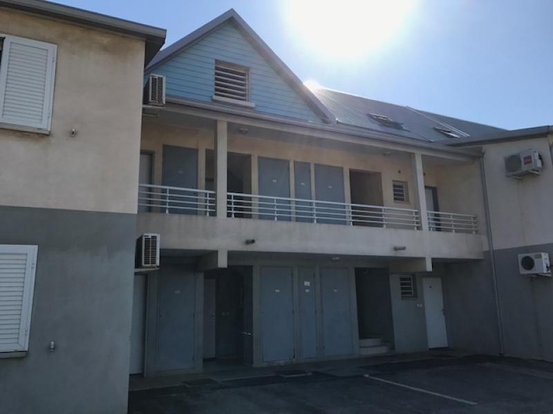 Sale apartment St pierre 101650€ - Picture 2