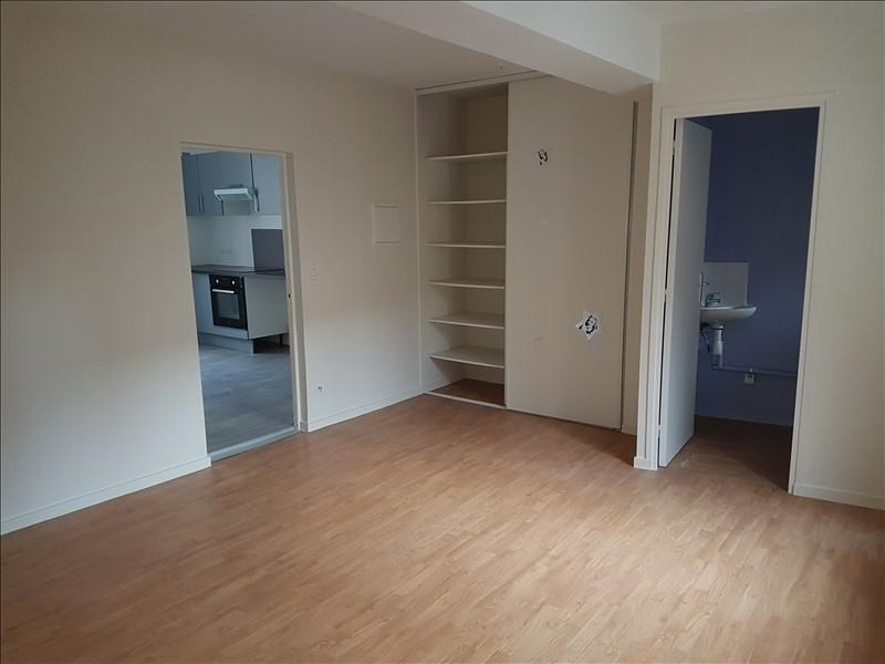 Rental apartment St genis laval 790€ CC - Picture 3