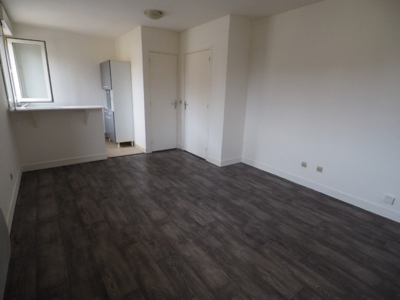 Rental apartment Dammarie les lys 470€ CC - Picture 1