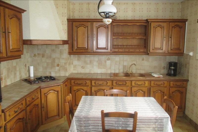 Sale house / villa Touvre 252000€ - Picture 5