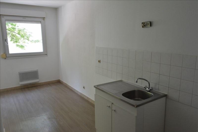Location appartement Lyon 8ème 712€ CC - Photo 3