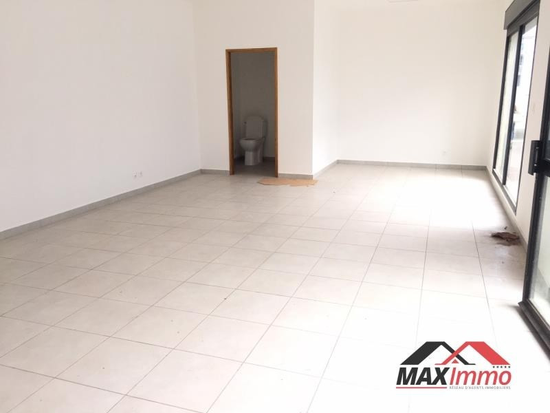 Location local commercial St pierre 1100€ HT/HC - Photo 2