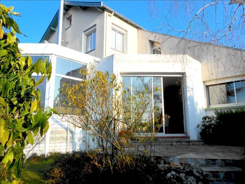 Deluxe sale house / villa Rueil malmaison 1020000€ - Picture 1