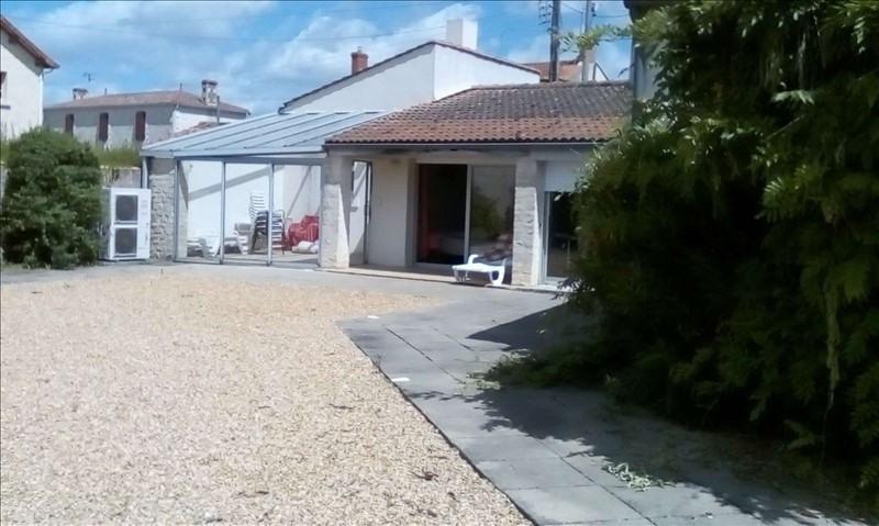 Sale house / villa Nalliers 210000€ - Picture 1