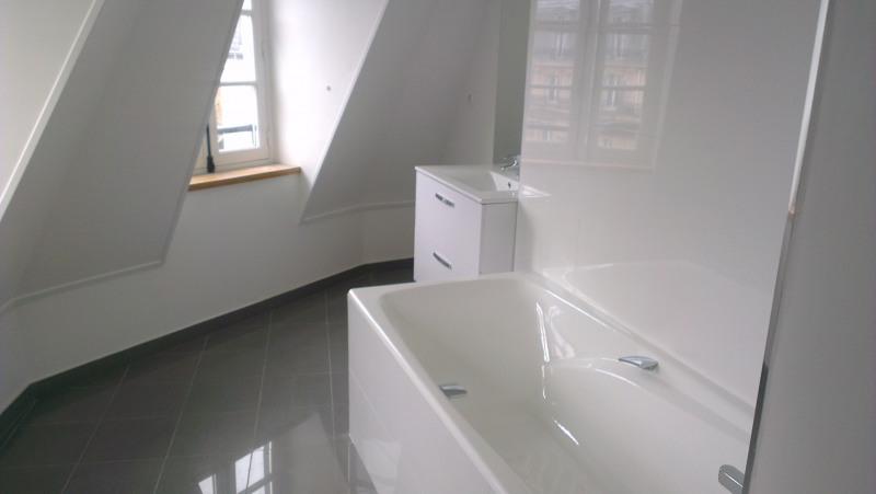 Location appartement Paris 8ème 1720€ CC - Photo 4