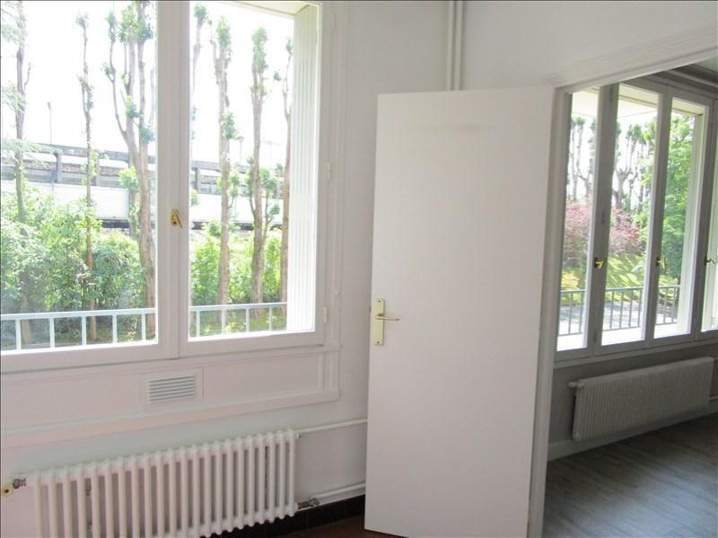 Sale apartment Versailles 205000€ - Picture 2