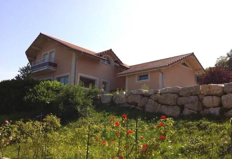 Deluxe sale house / villa Cranves-sales 850000€ - Picture 1