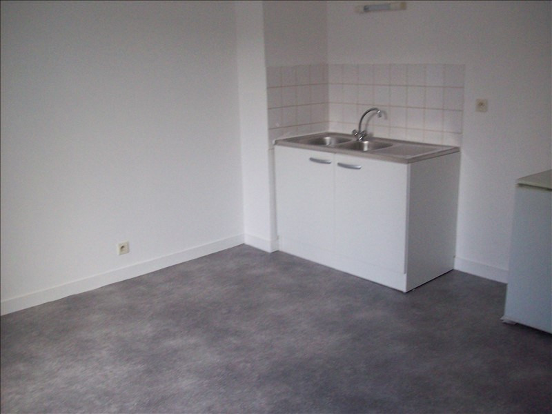 Location appartement Guingamp 350€ CC - Photo 1