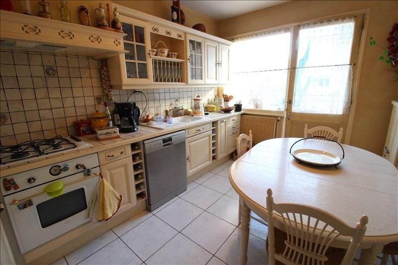 Sale apartment Annecy le vieux 366000€ - Picture 2