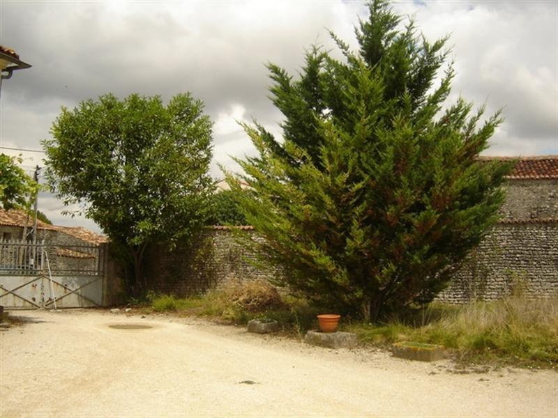 Sale house / villa Saint-jean-d'angély 53750€ - Picture 6