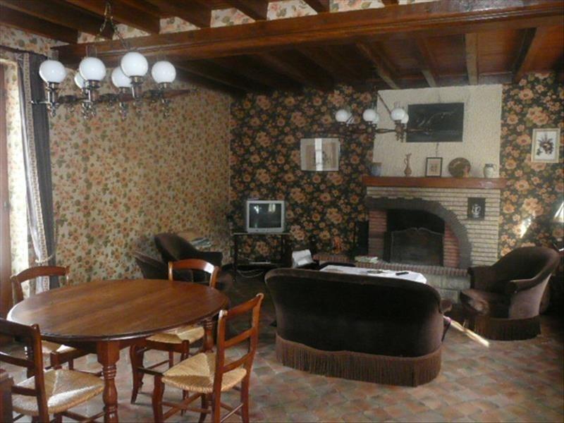 Sale house / villa Presly 72000€ - Picture 3