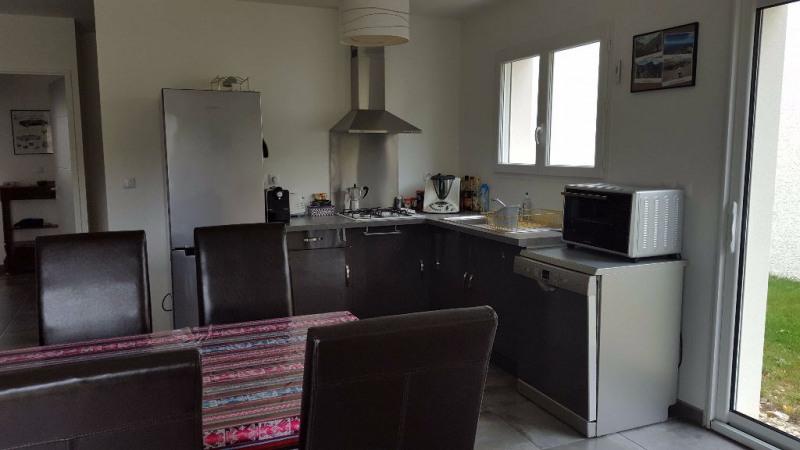 Rental house / villa L'isle d'abeau 816€ CC - Picture 5