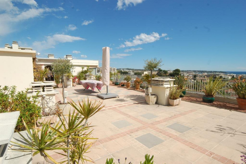 Deluxe sale apartment Antibes 795000€ - Picture 2