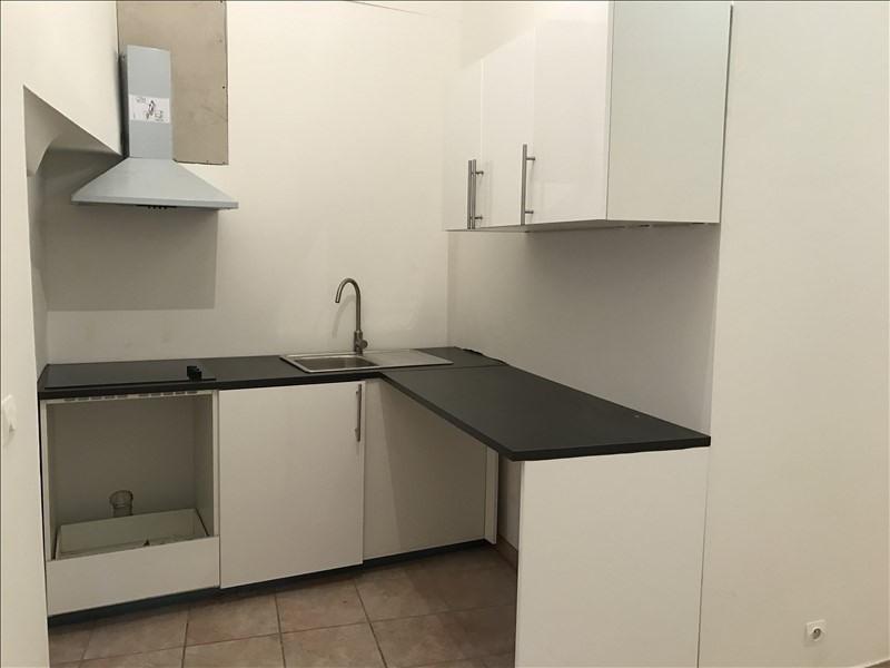 Sale apartment Salon de provence 99500€ - Picture 3