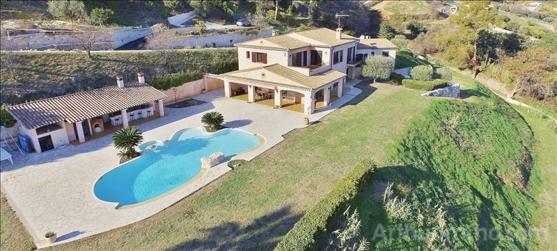 Deluxe sale house / villa St laurent du var 1 260 000€ - Picture 1