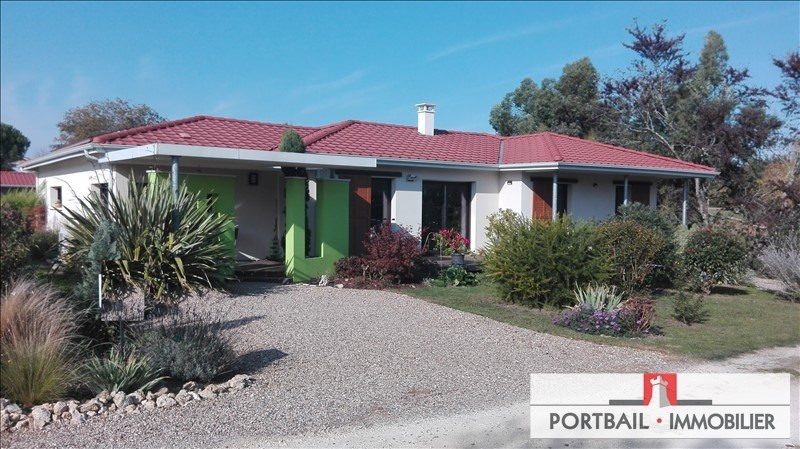 Deluxe sale house / villa Blaye 382000€ - Picture 1
