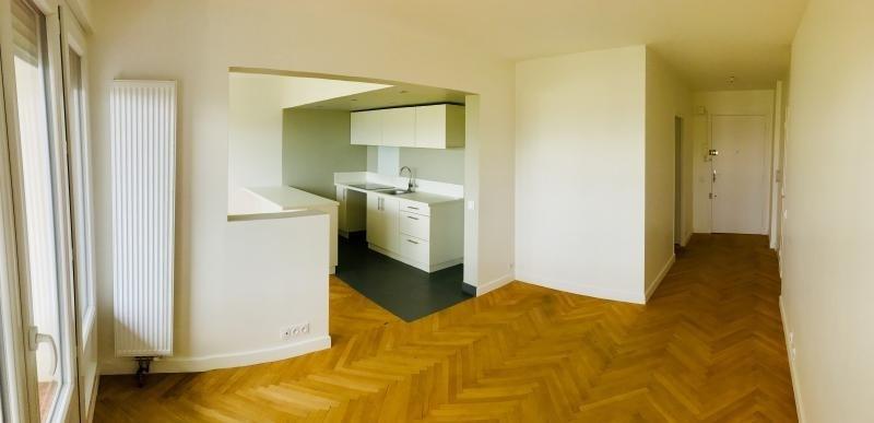 Locação apartamento Ste foy les lyon 695€ CC - Fotografia 1