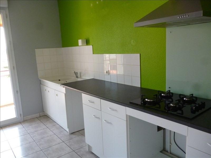 Location appartement Le coteau 605€ CC - Photo 1