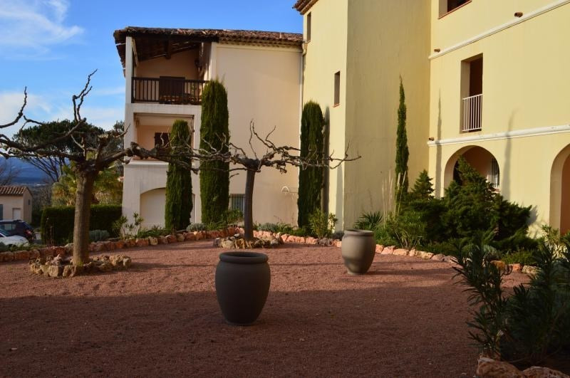 Vente appartement Roquebrune sur argens 154 000€ - Photo 2