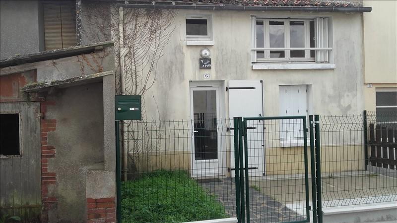 Location maison / villa St quentin en mauges 420€ CC - Photo 1