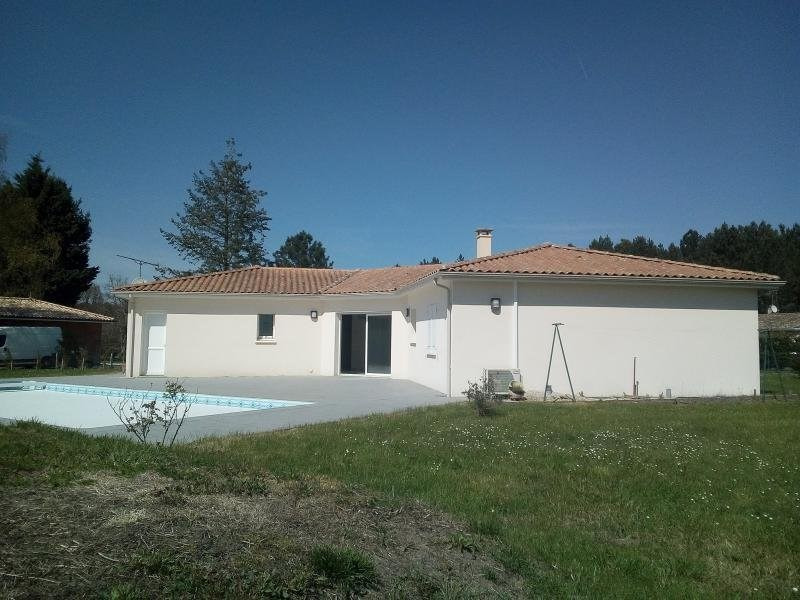 Sale house / villa Bussac foret 312 900€ - Picture 1