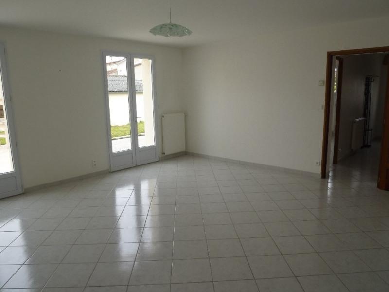 Location maison / villa Cognac 825€+ch - Photo 3
