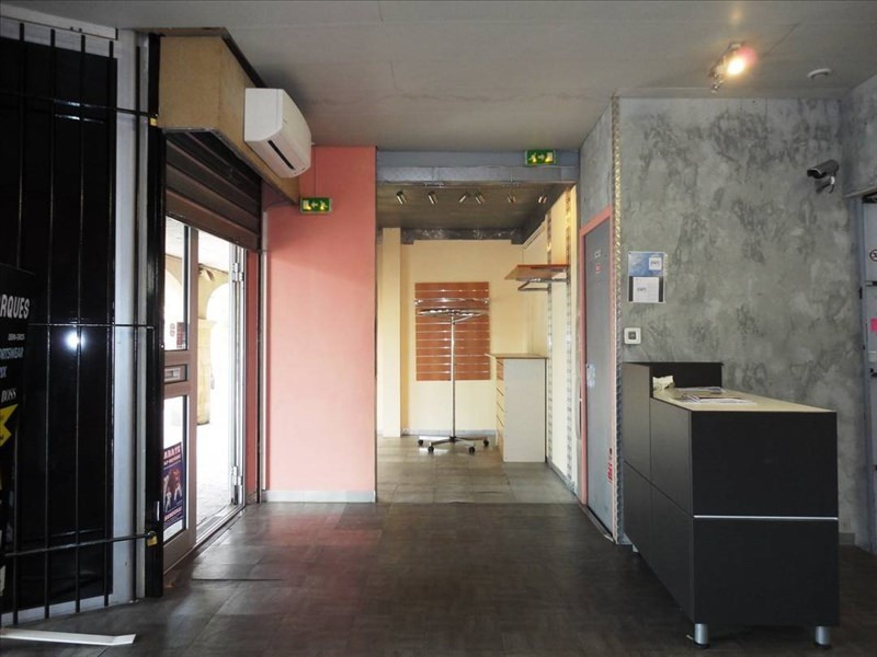 Location local commercial Toulon 900€ +CH/ HT - Photo 1