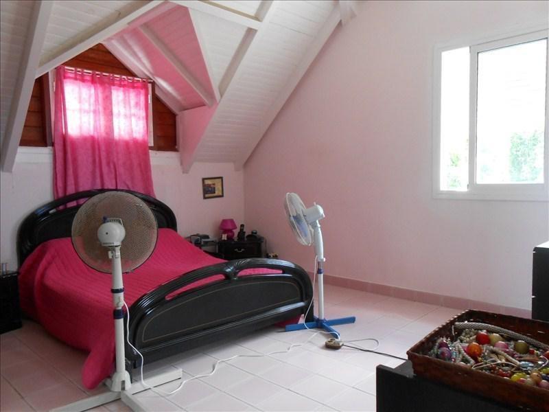 Sale house / villa St claude 270000€ - Picture 5