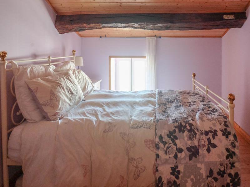 Sale house / villa Saint-jean-d'angély 82500€ - Picture 5